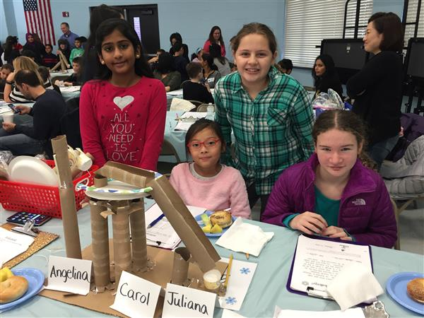 Center Street Students Get Creative in DeSTEMber